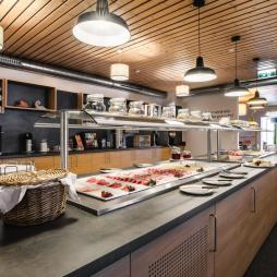 buffet-jufa-hotel-schladming-wurstplatten-1440x961